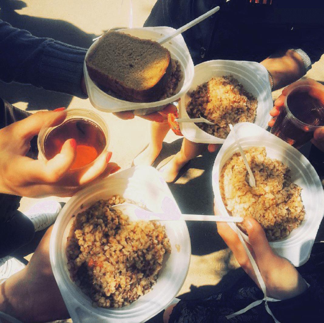 полевая каша из полевой кухни